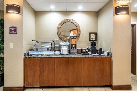 Comfort Suites Panama City Beach: Breakfast Area