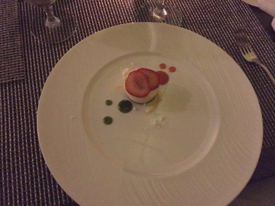 Azure Restaurant: photo2.jpg