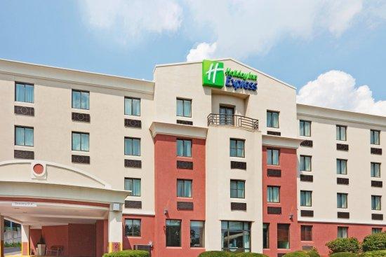 Saugus, MA: Hotel Exterior