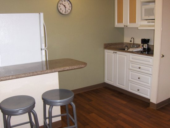 Duluth, GA: Fully-Equipped Kitchens