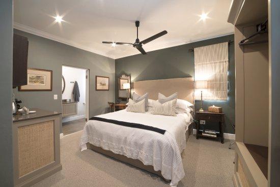 Grahamstown, Sudáfrica: Luxury Room 5