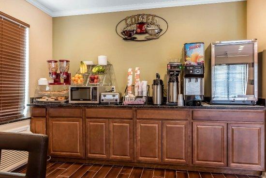 Boaz, AL: Breakfast area