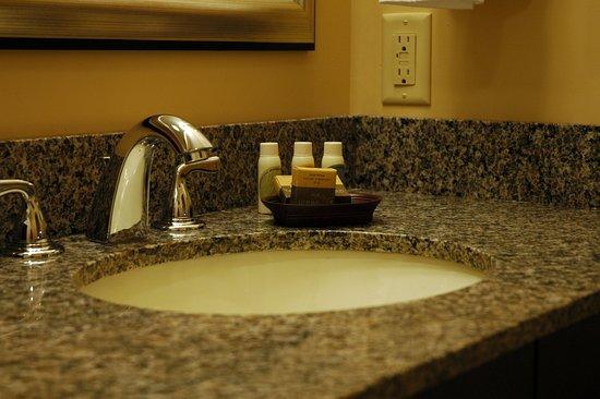 Kennebunk, ME: Bath Vanity