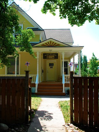 Missoula, MT: The big yellow house on the Northside