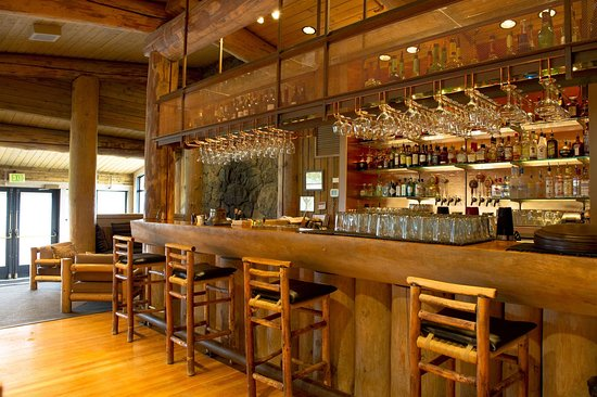 Sun Mountain Lodge/Wolf Creek Bar & Grill