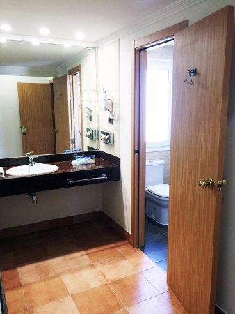 Playaballena Spa Hotel: Baño suite junior