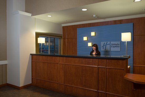 Everett, WA: Front Desk