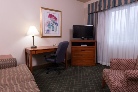 Everett, WA: Two Room Suite