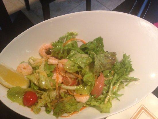 Rognonas, Франция: salade thaï aux crevettes