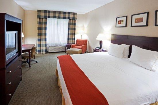 Freeport, ME: King Bed Guest Room