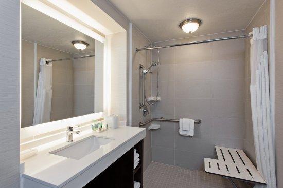 holiday inn long beach airport hotel ada bathroom has rollin shower with shower