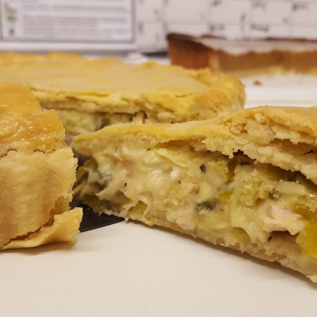 Kinross, UK: Our home made chicken and leek pie with a beautiful shortcrust pastry