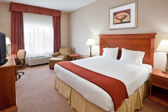 Utica, MI: King Bed Guest Room