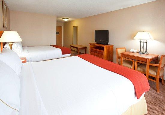 Utica, MI: Two Queen Bed Guest Room
