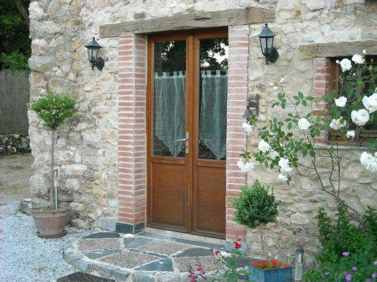 Dourgne, Francia: Entrée des chambres d'hôtes