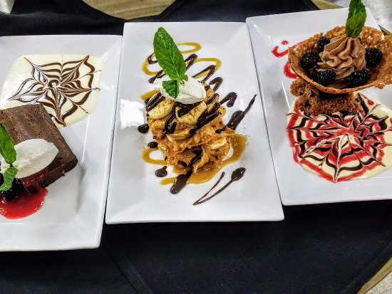 Eagle River, WI: Sample of our desserts!