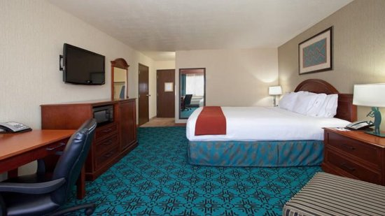 Holiday Inn Express Mesa Verde-Cortez: Mesa Verde Deluxe One King Sized Bed!