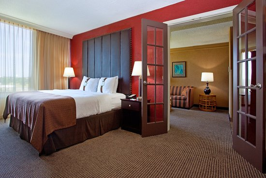 Strongsville, OH: Our beautiful 2 room Presidential Suite.