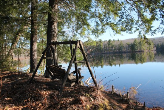Pittsfield, NH: Relax at the Pond