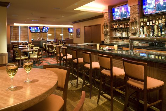 Lakewood, CO: Innsider Bar for watching your favorite sports