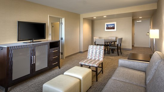 Lakewood, CO: King Suite with separate living area - Denver Hotels
