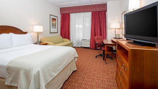 Crystal Lake, IL: Standard Room