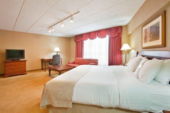 Crystal Lake, IL: Executive Room
