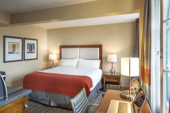 Holiday Inn Express Santa Barbara: One Queen Bed Non-Smoking
