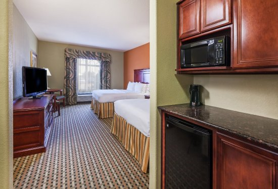 Holiday Inn Express Hotel & Suites Amarillo East: Two Queen Bed Guest Room