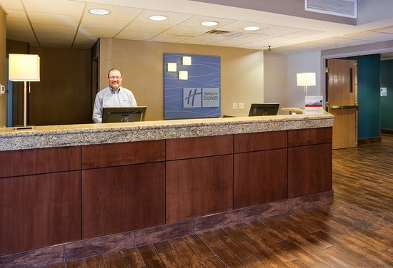 Saint Cloud, MN: Welcome to the Holiday Inn Express & Suites St. Cloud