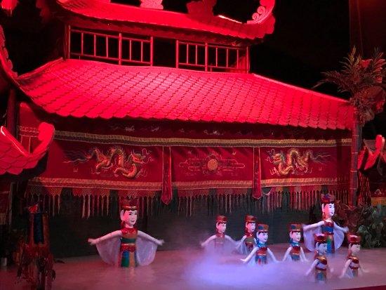 Golden Dragon Water Puppet Theater 사진