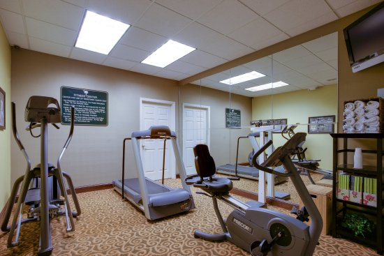 Holiday Inn Express Hotel & Suites Charleston/Ashley Phosphate : Fitness center on-site and free use of fitness centers off-site