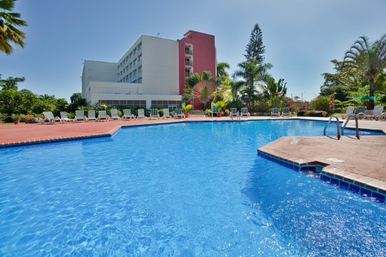 Holiday Inn Mayaquez & Tropical Casino: Swimming Pool