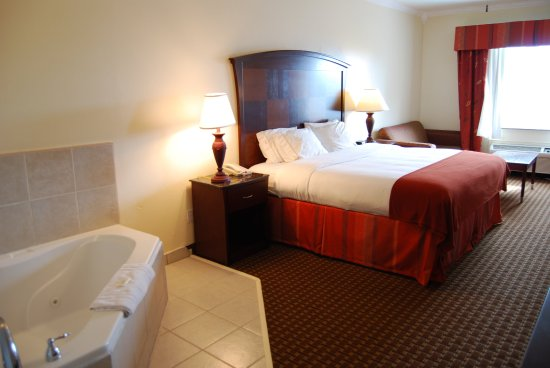 Holiday Inn Express Hotel Suites South Padre Island Jacuzzi Suite
