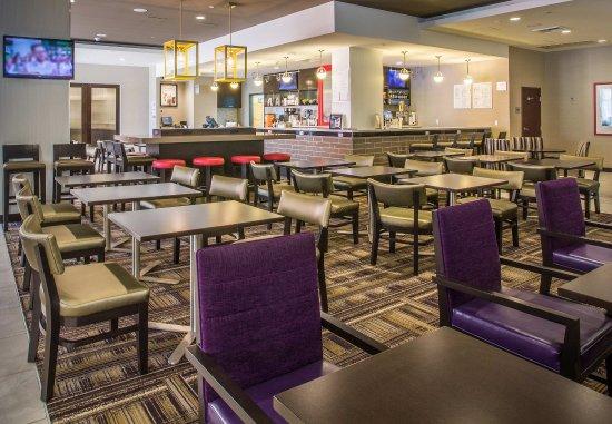 Culver City, CA: The Bistro   Dining Area