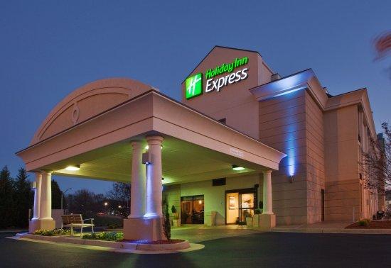 Welcome to the Holiday Inn Express Lynchburg hotel near Liberty U!