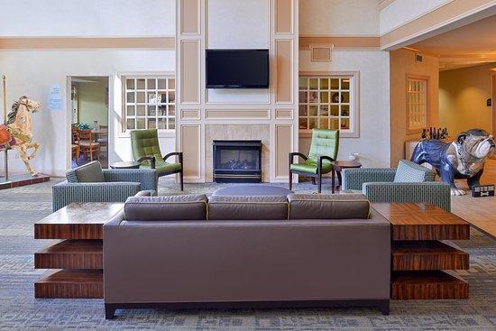 Holiday Inn Express St. Joseph: Hotel Lobby