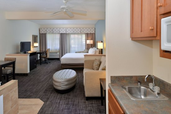 Holiday Inn Express St. Joseph: Jacuzzi Suite