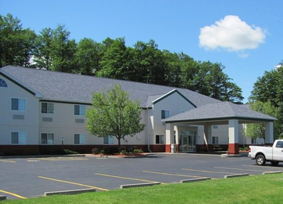 Dollinger's Inn & Suites: Be our guest!
