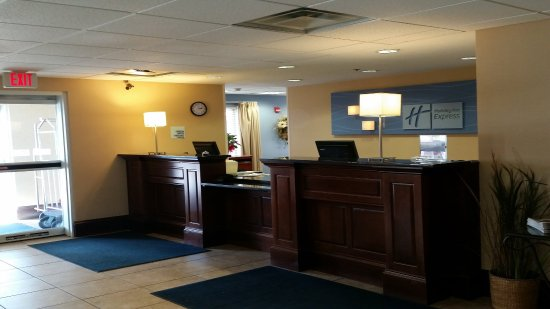 New Buffalo, MI: Front Desk