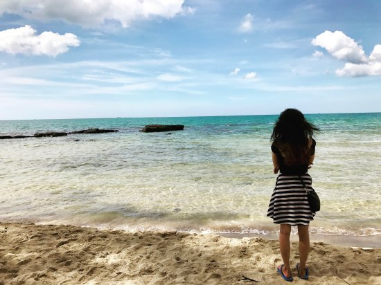 Isola di Phu Quoc, Vietnam: Girl wonder taking in the beach vibes on Phu Quoc near the Elwood Resort