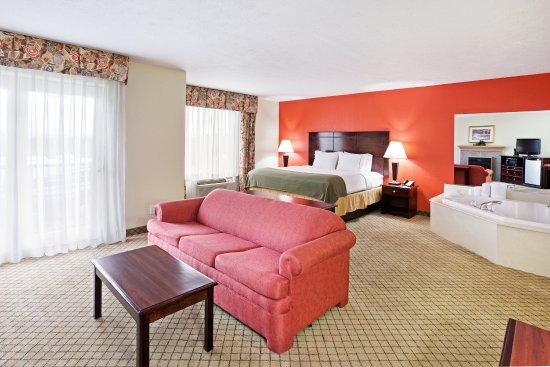 Dandridge, TN: Jacuzzi Suite