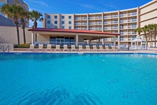 Holiday Inn Hotel & Suites Daytona Beach: Hotel Exterior