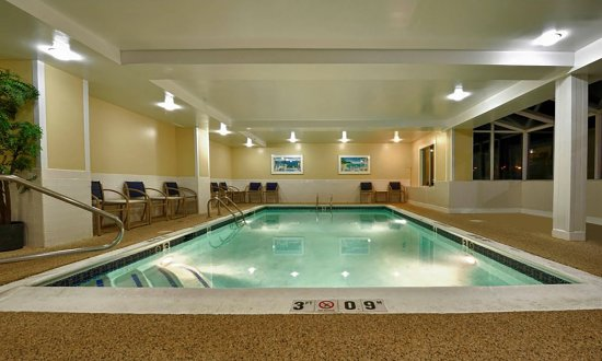 Holiday Inn Express Keene: Indoor Heated Salt Water Pool