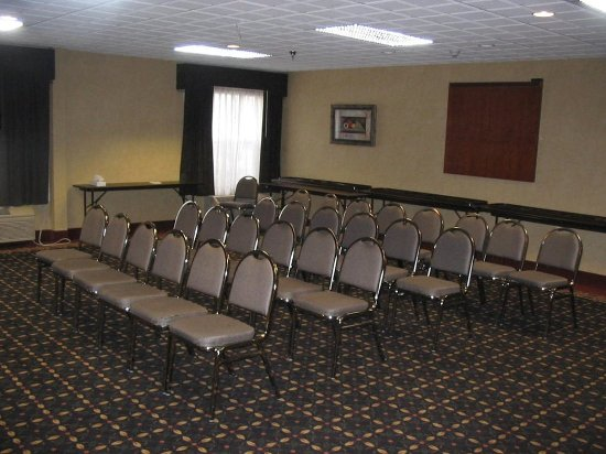 meeting room seating picture of holiday inn express. Black Bedroom Furniture Sets. Home Design Ideas