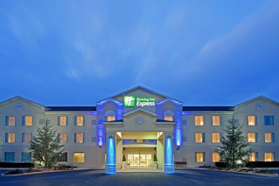 Holiday Inn Express Reading: Hotel Exterior