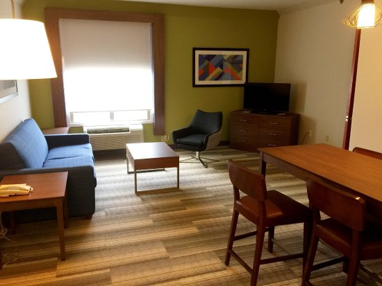 Holiday Inn Express & Suites Houston - Memorial Park Area: Guest Room:  Executive Suite