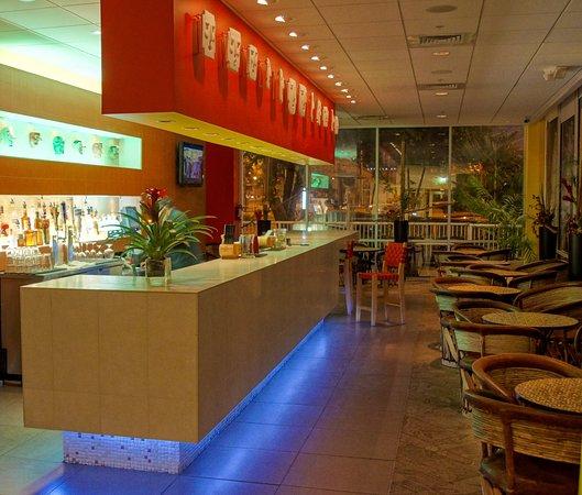 Tiki Bar Picture Of El Tropicano Riverwalk Hotel San