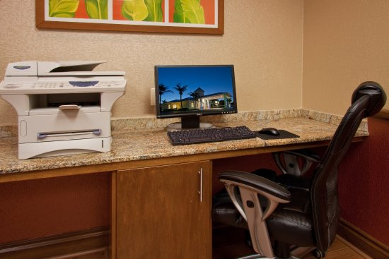 Holiday Inn Express North Palm Beach - Oceanview: Business Center