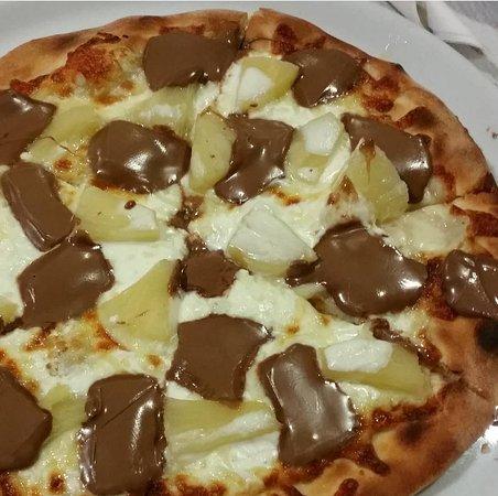 Tabua, Portugal: Pizza doce - sobremesa